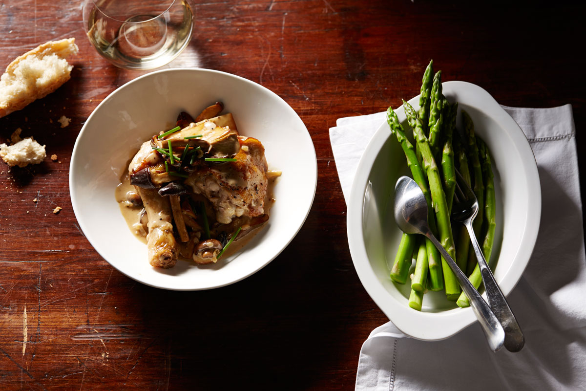 Chicken with Champagne and mushroom sauce (poulet au Champagne et ...