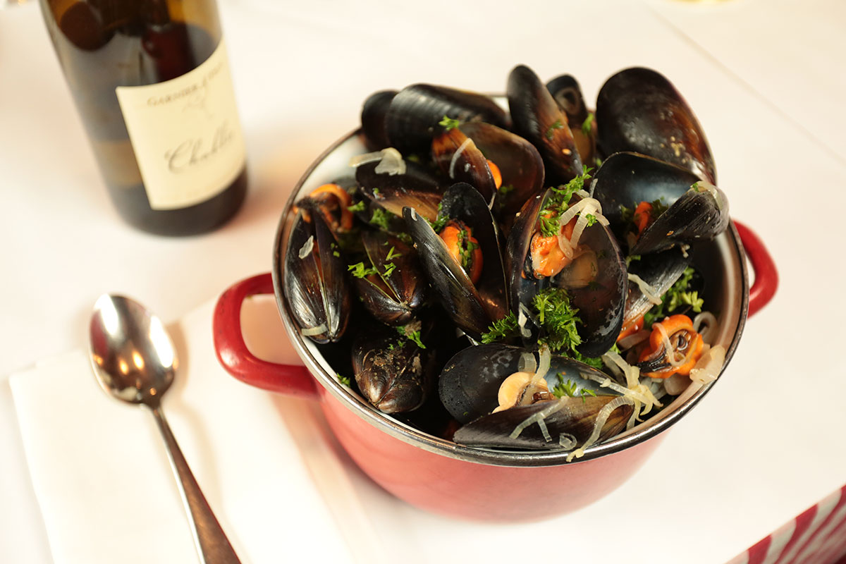 Mussels In White Wine Moules Marini & 232res Recipe Sbs Food