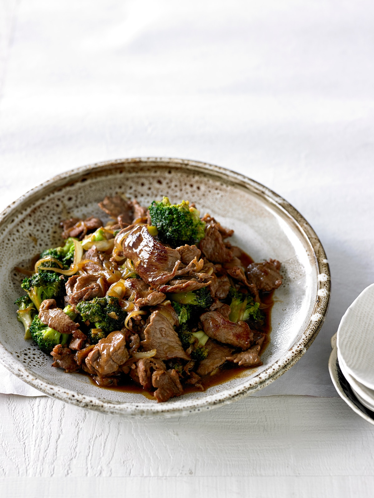 Beef with broccoli and oyster sauce stir fry sbs food beef with broccoli and oyster sauce httpssbsfoodrecipesbeef broccoli and oyster sauce forumfinder Images
