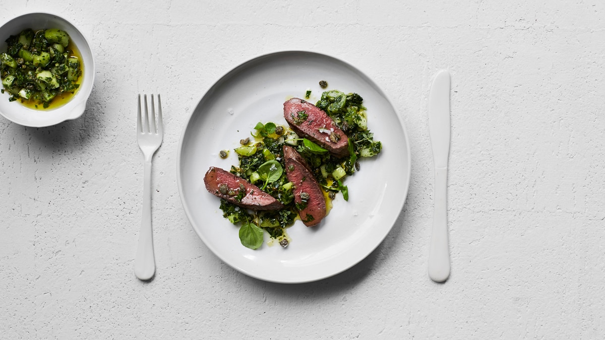 Chargrilled Lamb Backstrap With Celery Salsa Verde Recipe Sbs Food -> Sala De Tv Verde