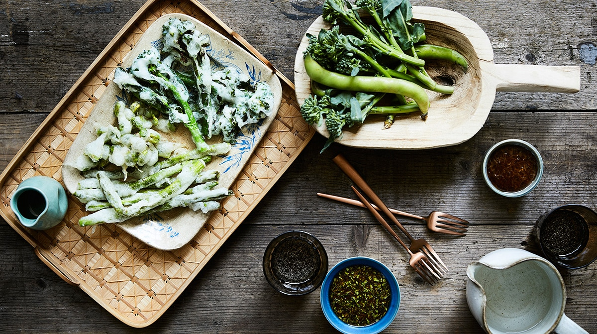 Spring vegetable tempura japanese recipes sbs food spring vegetable tempura japan celebrates new seasonal produce like nowhere else on earth and spring vegetables are prized for their tenderness forumfinder Choice Image