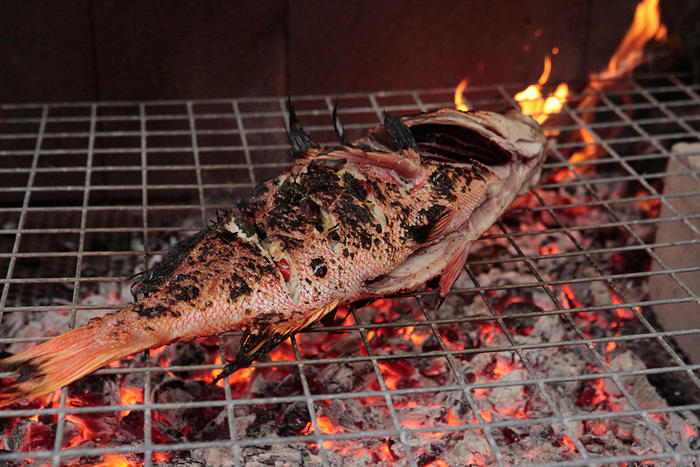 Barbecued red emperor with finger lime, ginger and lemongrass
