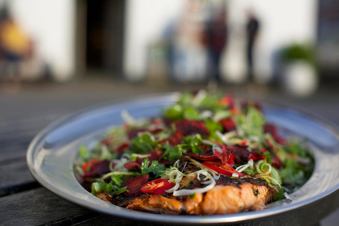 Asian salmon with beetroot chips