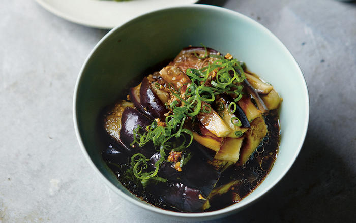 Cool steamed aubergine with a garlicky dressing (liang ban qie zi)