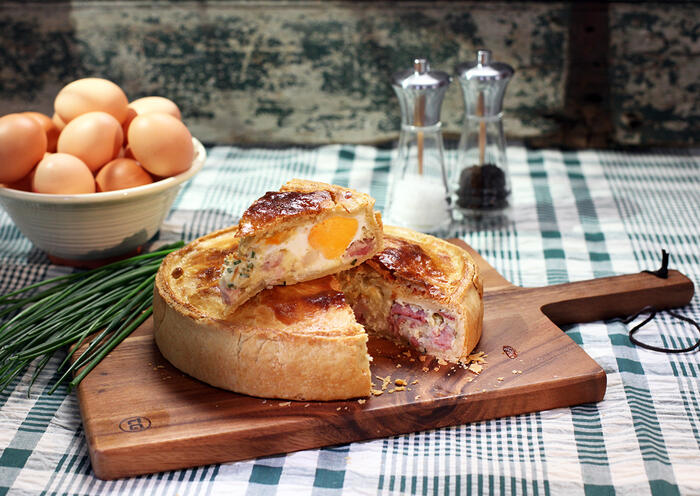 Paul Hollywood's egg and bacon pie
