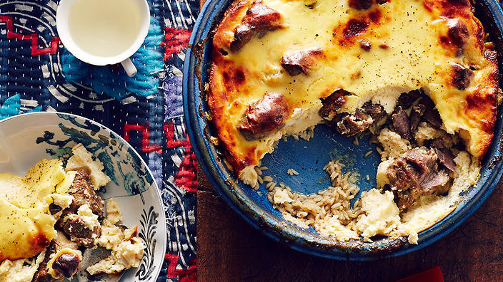 Baked lamb and rice with yoghurt (tave kosi)