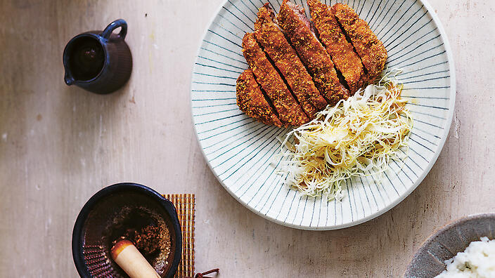 This style of Japanese breadcrumb is delicious, especially in pork cutlets (tonkatsu).