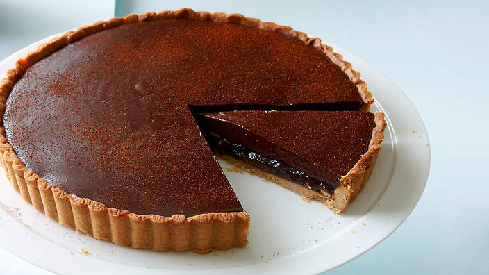 Ancho chilli and date chocolate tart recipe : SBS Food