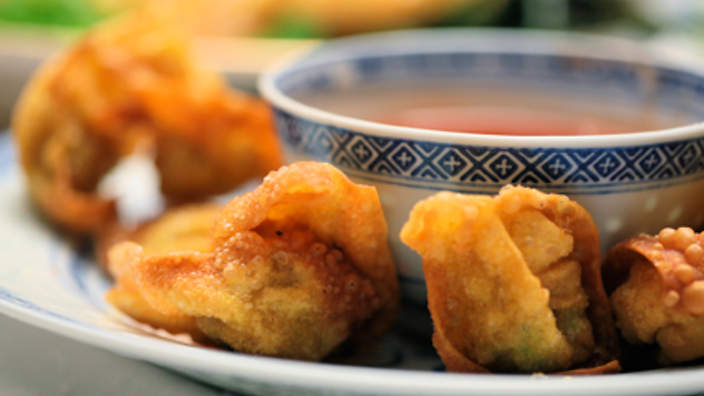 Fried wontons with dipping sauce recipe : SBS Food