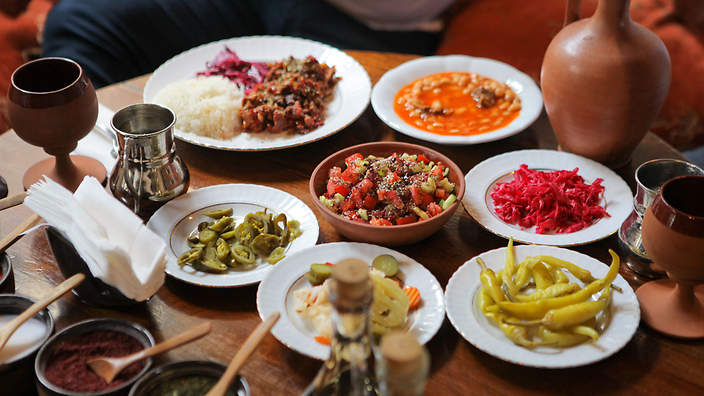 Episode 6 cappadocia the heart of anatolian cuisine for Anatolian cuisine
