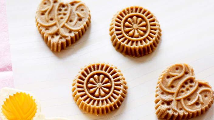 Dutch spiced biscuits (speculaas) recipe : SBS Food