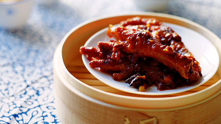 Braised chicken feet in black bean sauce recipes sbs food forumfinder Image collections