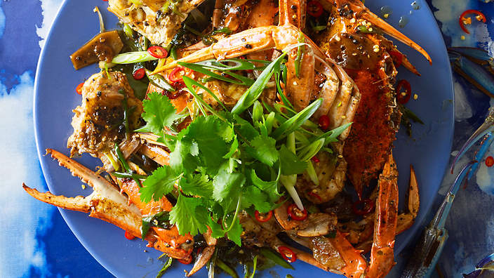 How Long Is A Football Pitch >> Singapore wok-fried black pepper crab recipe : SBS Food