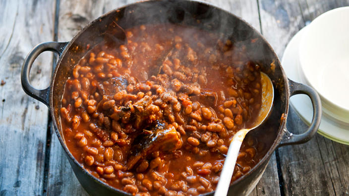Vine-cutters baked beans