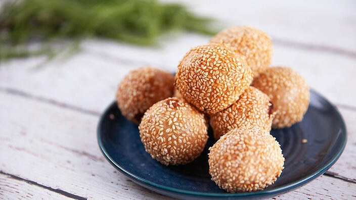 Sesame balls with red bean paste filling