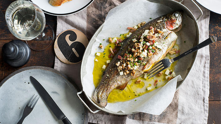 Baked trout with herbs and bacon