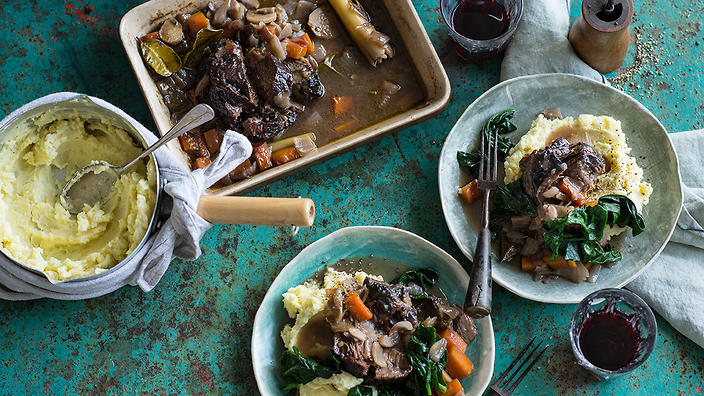 Braised beef cheeks with ginger and lemongrass