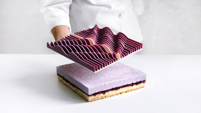 How Dinara Kasko Makes Amazing Architectural Cakes With A