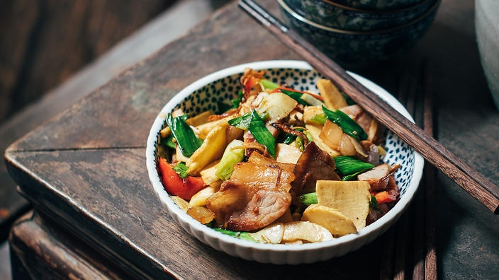 Stir-fried bamboo shoots and cured ham
