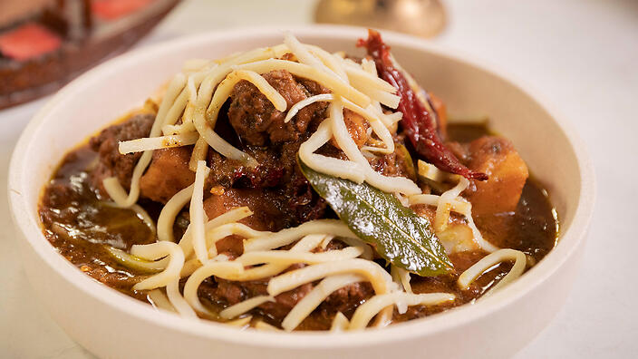 Duck curry with bamboo shoots