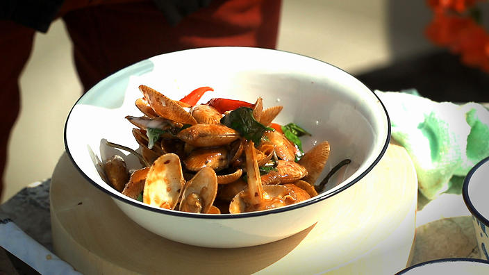 Stir-fried clams with chilli jam and Thai basil