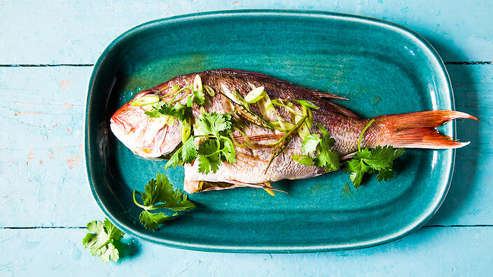 Fish Steamed With Pandan And Lemongrass Pla Nung Takrai Fish Recipes Sbs Food