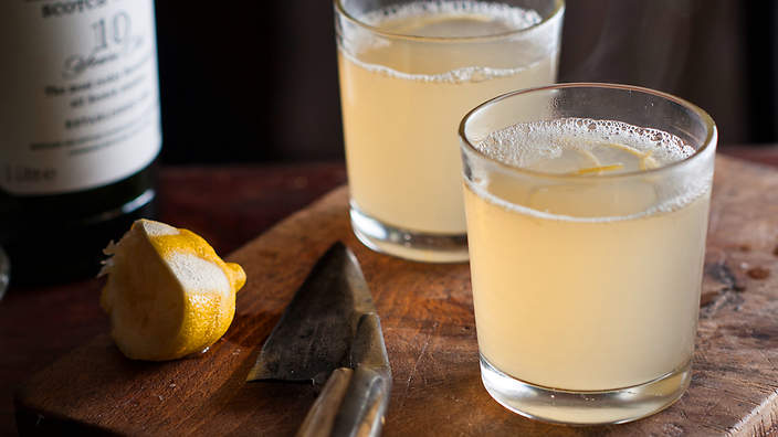Ginger ale hot toddy