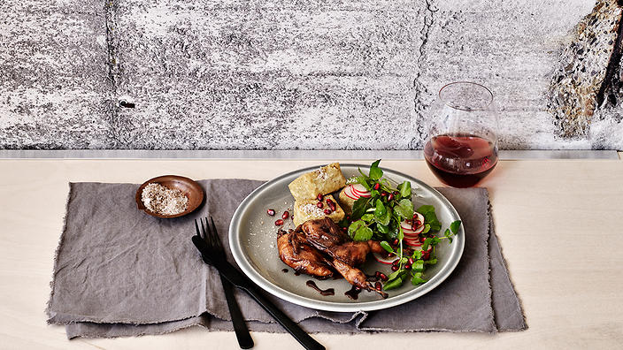 Glazed quail with chickpea fritters