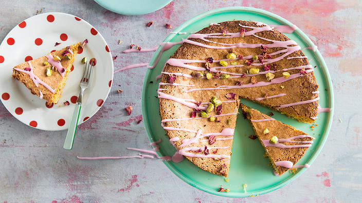 Gluten-free lemon and pistachio cake with rosewater icing