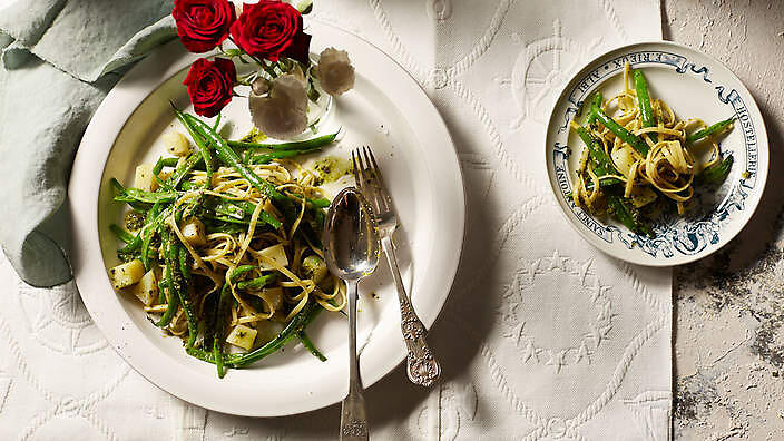 Trenette with pesto, potato and green beans