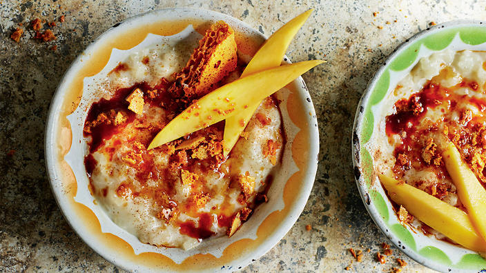 Mexican rice pudding with honeycomb