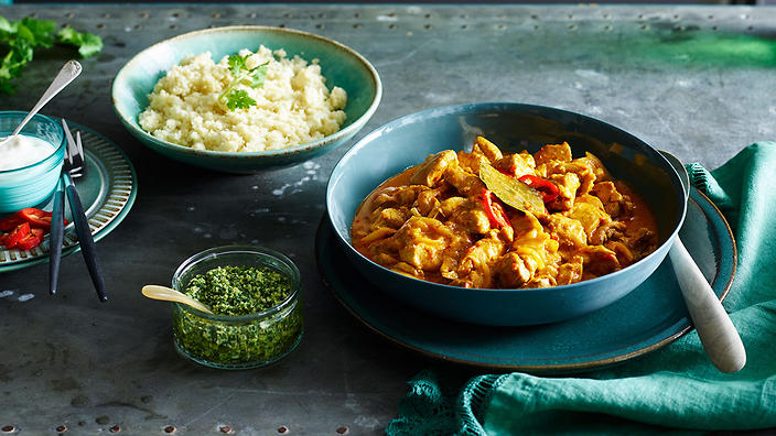 Indian chicken curry with cauliflower rice recipe sbs food indian chicken curry with cauliflower rice forumfinder Image collections