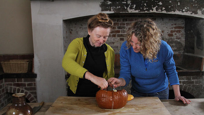 Ruth Goodman & Kate Humble taste the original American Pumpkin Pie