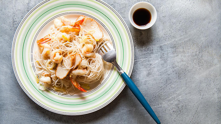 Mama's prawn and leek stir-fried noodles