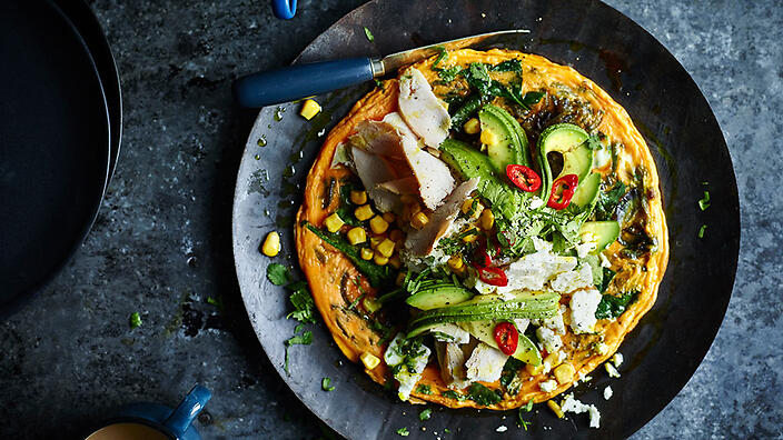 Mexican tortilla with chicken and feta