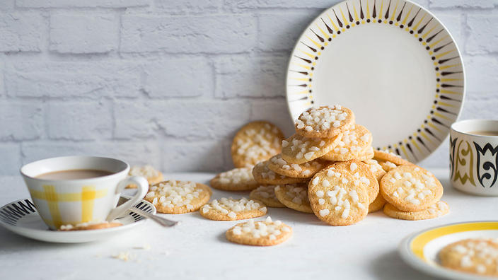 Norwegian almond butter biscuits (serinakaker)