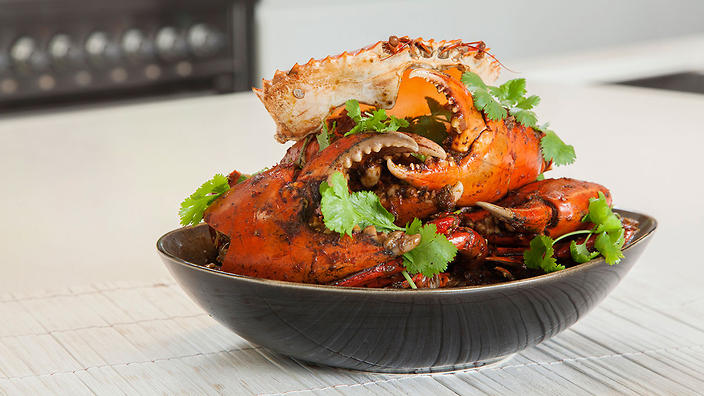 Steamed mud crabs with ginger, chilli and shallot sauce