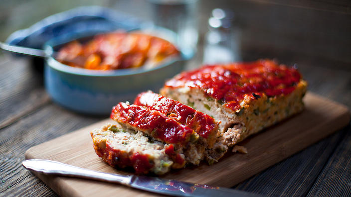 Turkey meatloaf with a spicy bean stew