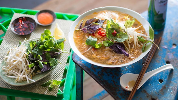 Blue swimmer crab and tomato vermicelli noodle soup