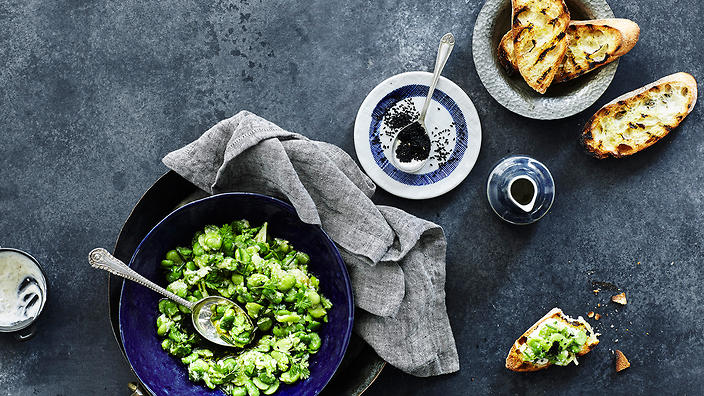 Crushed broad beans with yoghurt, chervil and charred bread