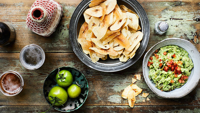 Plaintain chips with guacamole