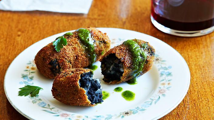 Squid croquettes with green sauce