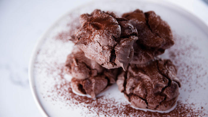 Chocolate French meringues