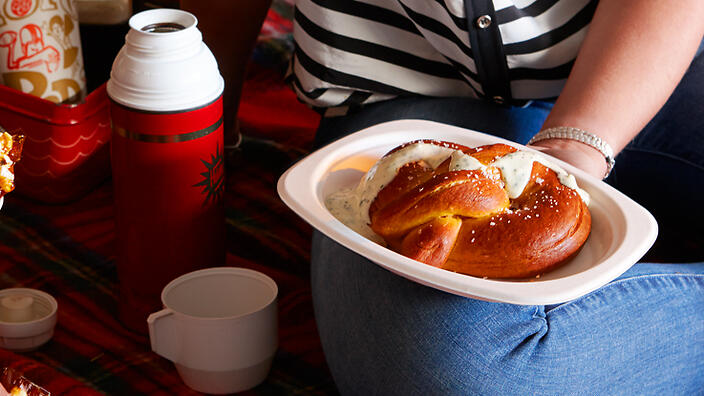 Barbecue-spiced soft pretzels with ranch dressing