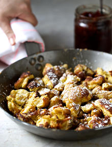 Austrian recipes and austrian food sbs food pancakes with stewed plums forumfinder Images