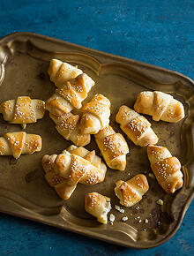 Bosnian recipes and bosnian food sbs food mini rolls with cheese forumfinder Images