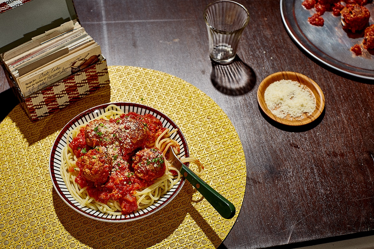 American recipes and american food sbs food spaghetti and meatballs forumfinder Gallery