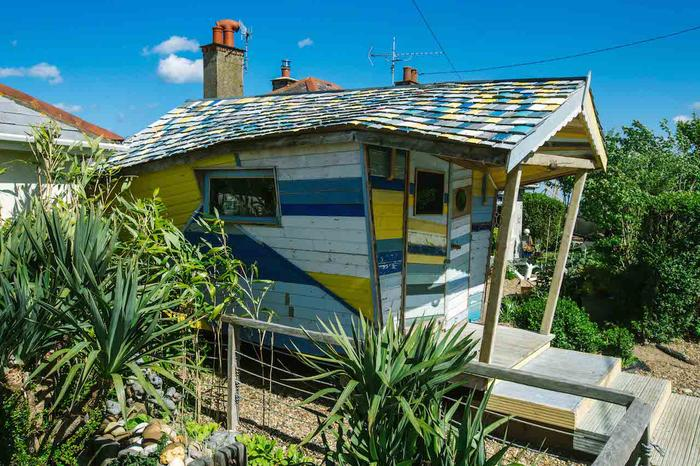 George Clarke Shed of the Year, Alice in Wonderland shed
