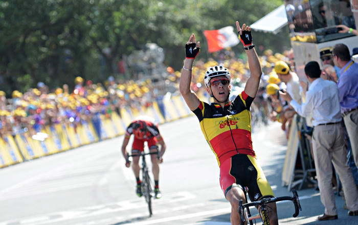 Philippe Gilbert celebrates winning stage 1 over Cadel Evans at the 2011 TDF from Passage du Gois La Barre-de-Monts to Mont des Alouettes  (Getty)