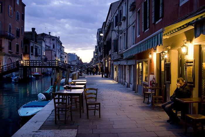 Venice pub